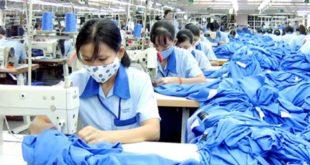 lao động làm dệt tại nhà máy Quần Lộc Đào Viên