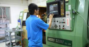 Tuyển 12 nam làm thao tác máy tại NM Quang Điềm