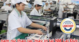 nam nữ thao tác máy in tại NM Lai Đức