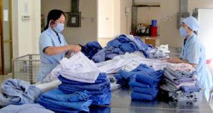 sản xuất giặt là quần áo tại NM Minh sáng