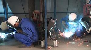 Nam làm hàn tại nhà máy Dẫn Hưng, Đài Trung