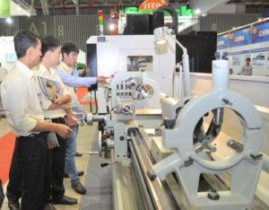 Nam làm quản lý tại nhà máy Đăng Hoàng